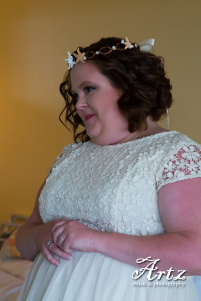 Outer Banks Wedding - 2014 OBX Bride (photo by Matt Artz for affordableOBXweddings.com)_0019