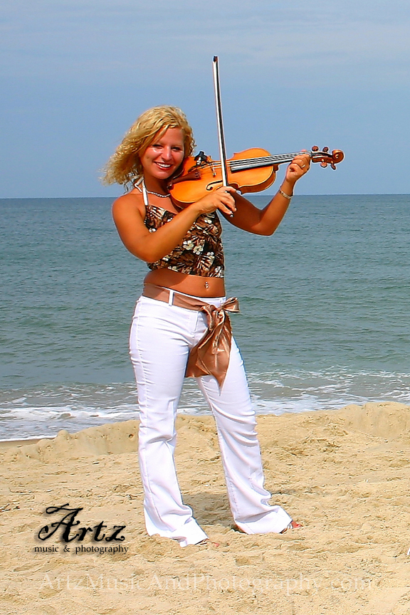 Sue Artz, photographed by Matt Artz on July 14, 2005 during a photoshoot for the Showstoppers band.